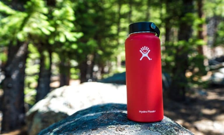 Hydro Flask vs S'well - Which is the Better Water Bottle?